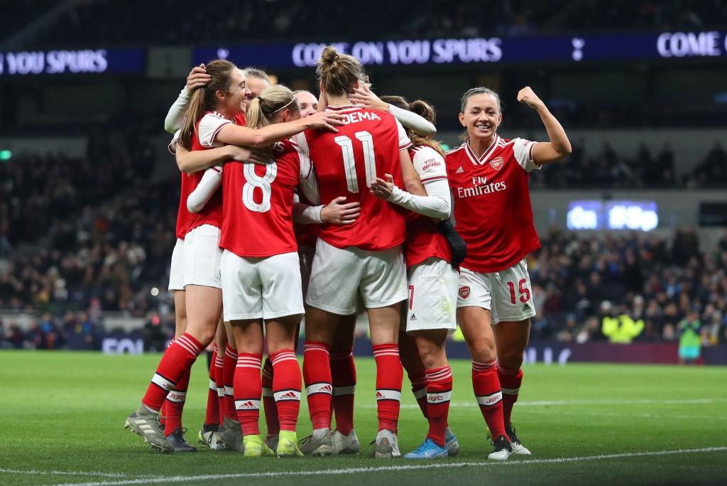 El Arsenal venció al Tottenham en el partido que rompió el récord de asistencia de la primera jornada. / Getty Images