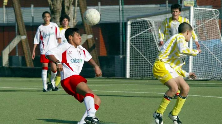Rodrigo (fondo, izquierda), Thiago (centro, derecha)