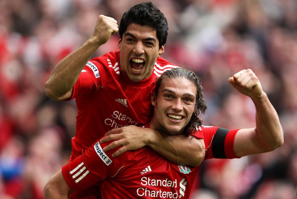 Carroll llegó a Liverpool para hacer olvidar a Fernando Torres, pero finalmente fue Luis Suárez quien ocupó esa vacante por delante de él. / Getty Images