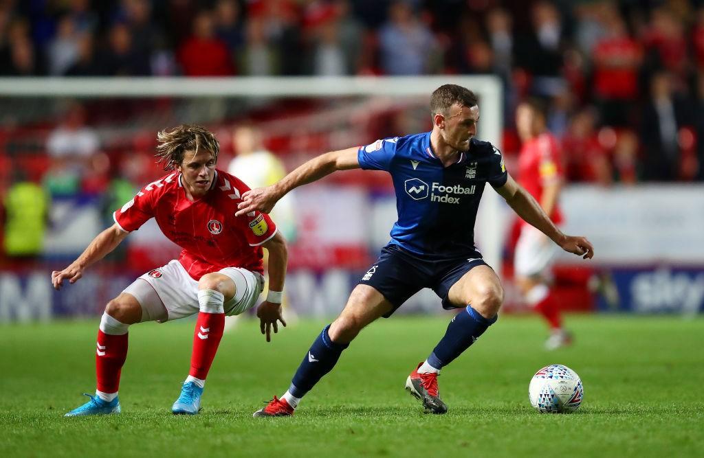 Conor Gallagher, procedente de la cantera del Chelsea, se ha destapado como una de las grandes incorporaciones del Charlton. / Getty Images