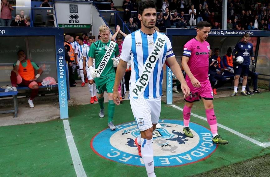 La 'falsa' nueva equipación del Huddersfield