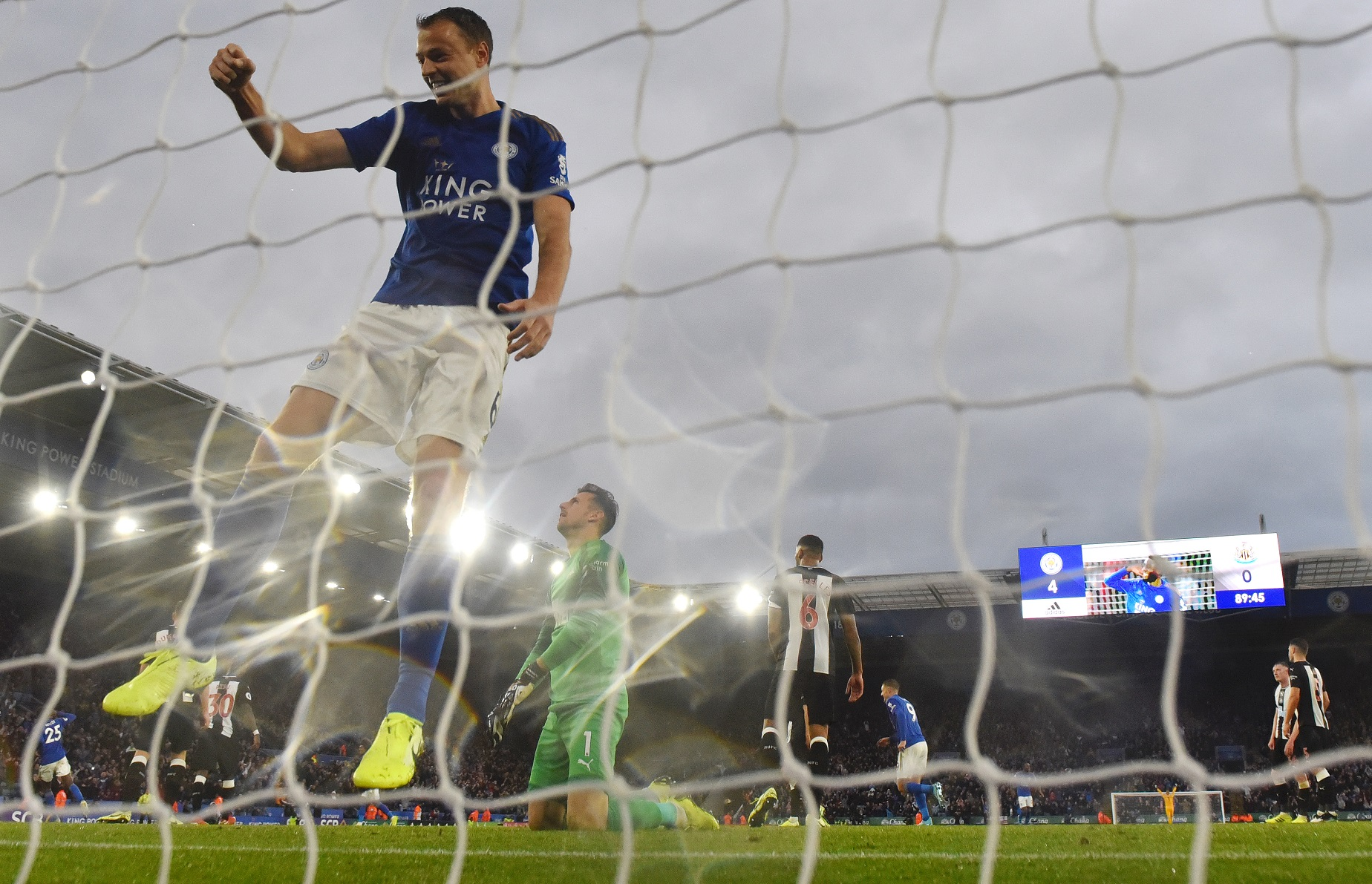 El Leicester se exhibió bajo la dulce lluvia