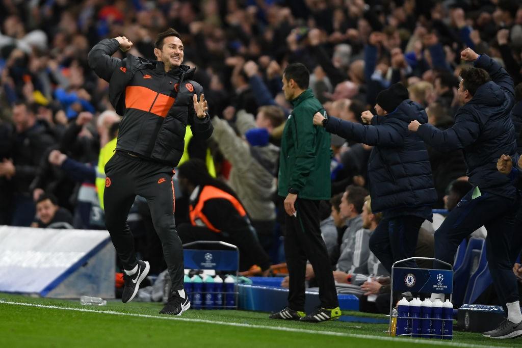 Frank Lampard celebra la épica remontada de su equipo frente al Ajax en Stamford Bridge. / Getty Images
