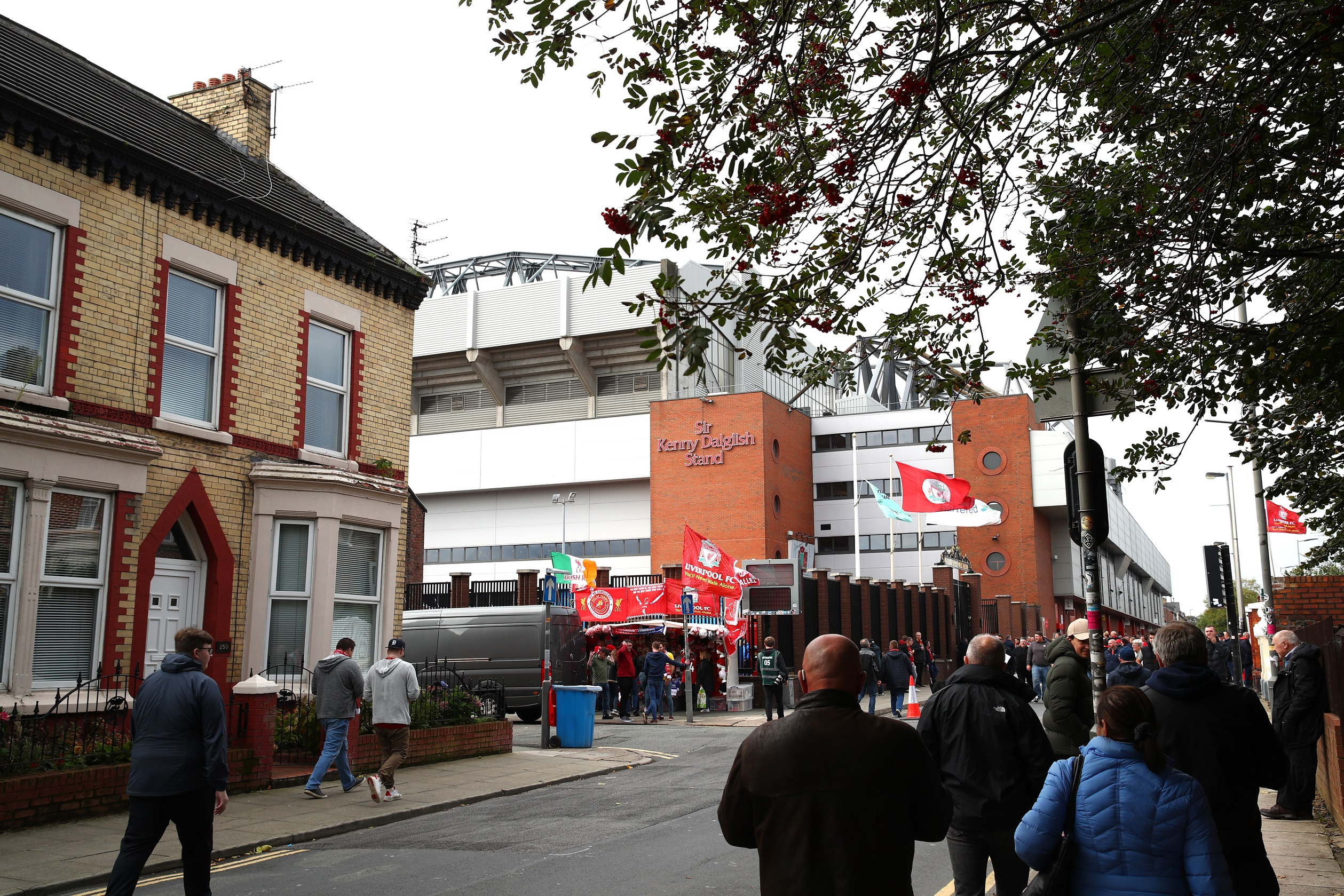 Impregnado en cada esquina de Anfield, un suspiro por el título