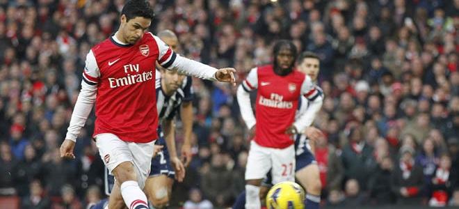 Mikel Arteta, en acción con el Arsenal