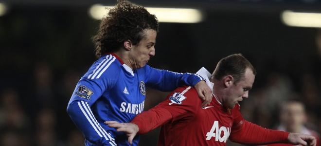 Rooney y David Luiz mantuvieron una dura pugna en Stamford Bridge