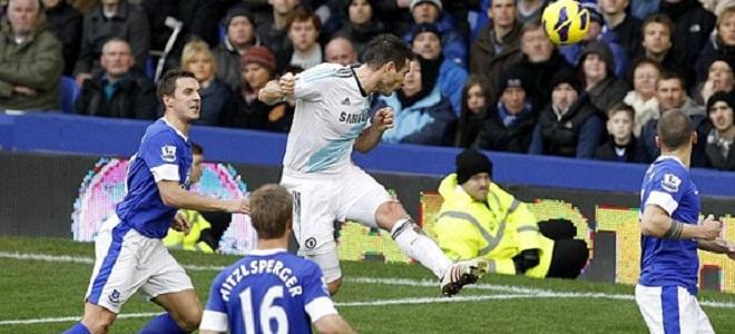 Lampard marcó los dos goles del Chelsea