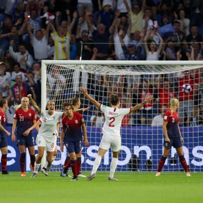 Inglaterra ganó a Noruega para pasar a semifinales