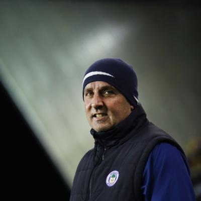 Paul Cook, cuestionado en Wigan