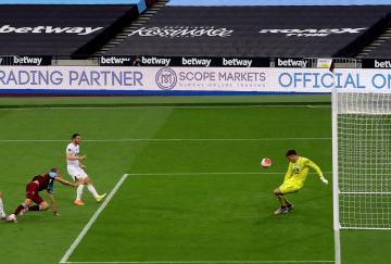 El Burnley sumó una nueva victoria en el London Stadium