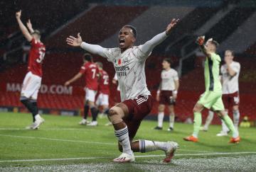 Gabriel lideró a la defensa del Arsenal en su victoria en Old Trafford