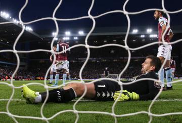 El Aston Villa lo intentó