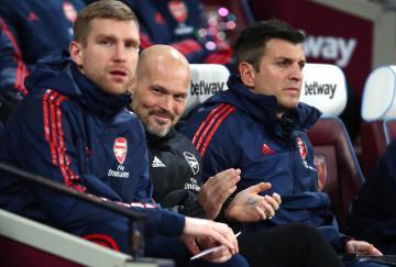 Fredrik Ljungberg logró su primera victoria como entrenador del Arsenal
