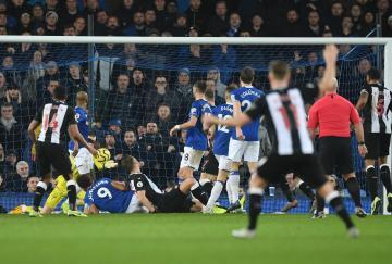 El Newcastle empató contra el Everton estando 2-0 abajo en el minuto 93