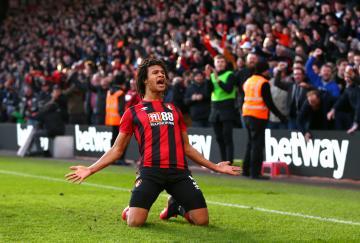 Nathan Aké decidió el partido para el Bournemouth