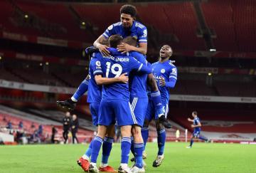 El Leicester ganó en casa del Arsenal por primera vez desde 1973