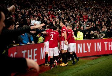 El Manchester United prevaleció con enorme plasticidad final sobre el Manchester City