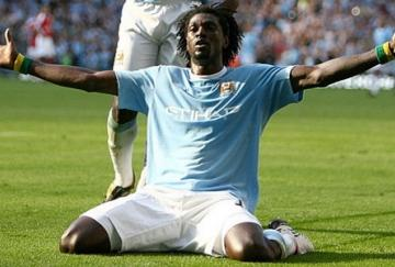 Adebayor podría jugar en el Tottenham la próxima temporada