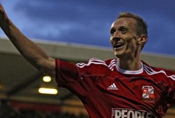 Paul Benson marcó el segundo tanto del Swindon ante el Wigan