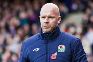 Henning Berg sigue sin ganar como técnico del Blackburn