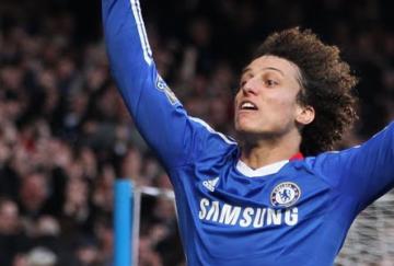 David Luiz anotó el primer gol del partido