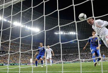Rooney marcó el único gol del encuentro