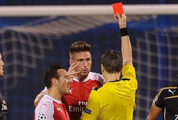 Giroud fue expulsado