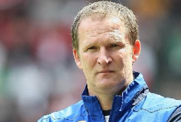 Simon Grayson es el entrenador del Preston North End