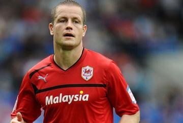 Helguson marcó dos goles en la victoria del Cardiff