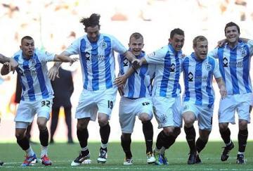 Los jugadores del Huddersfield celebran el ascenso
