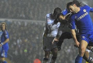 Ivanovic marcó el segundo gol en una noche lluviosa en Leeds