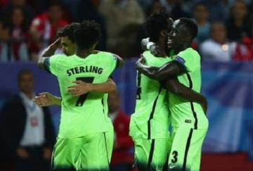 Los jugadores del City celebran uno de los tantos