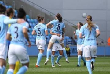 Las chicas del Manchester City siguen en la cima de la WSL (foto: FA)