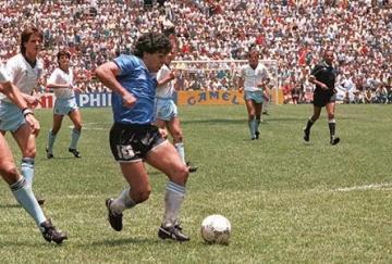 Maradona en el camino hacia la gloria eterna