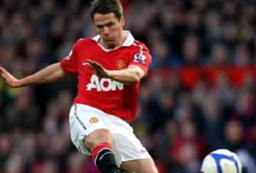Michael Owen marcó dos goles para el United