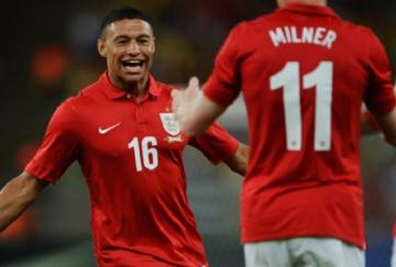 Oxlade-Chamberlain celebra su gol