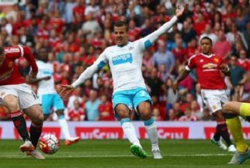 Rooney se volvió a quedar sin marcar
