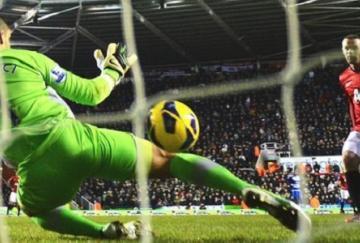 Rooney logró dos goles