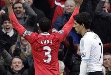 Evra y Suárez fueron los grandes protagonistas de la tarde