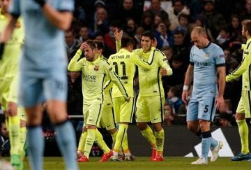 Luis Suárez celebra uno de sus dos tantos