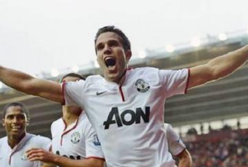 Van Persie logró su primer hat-trick con el Manchester United