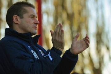 Graham Westley ha regresado por tercera vez al Stevenage