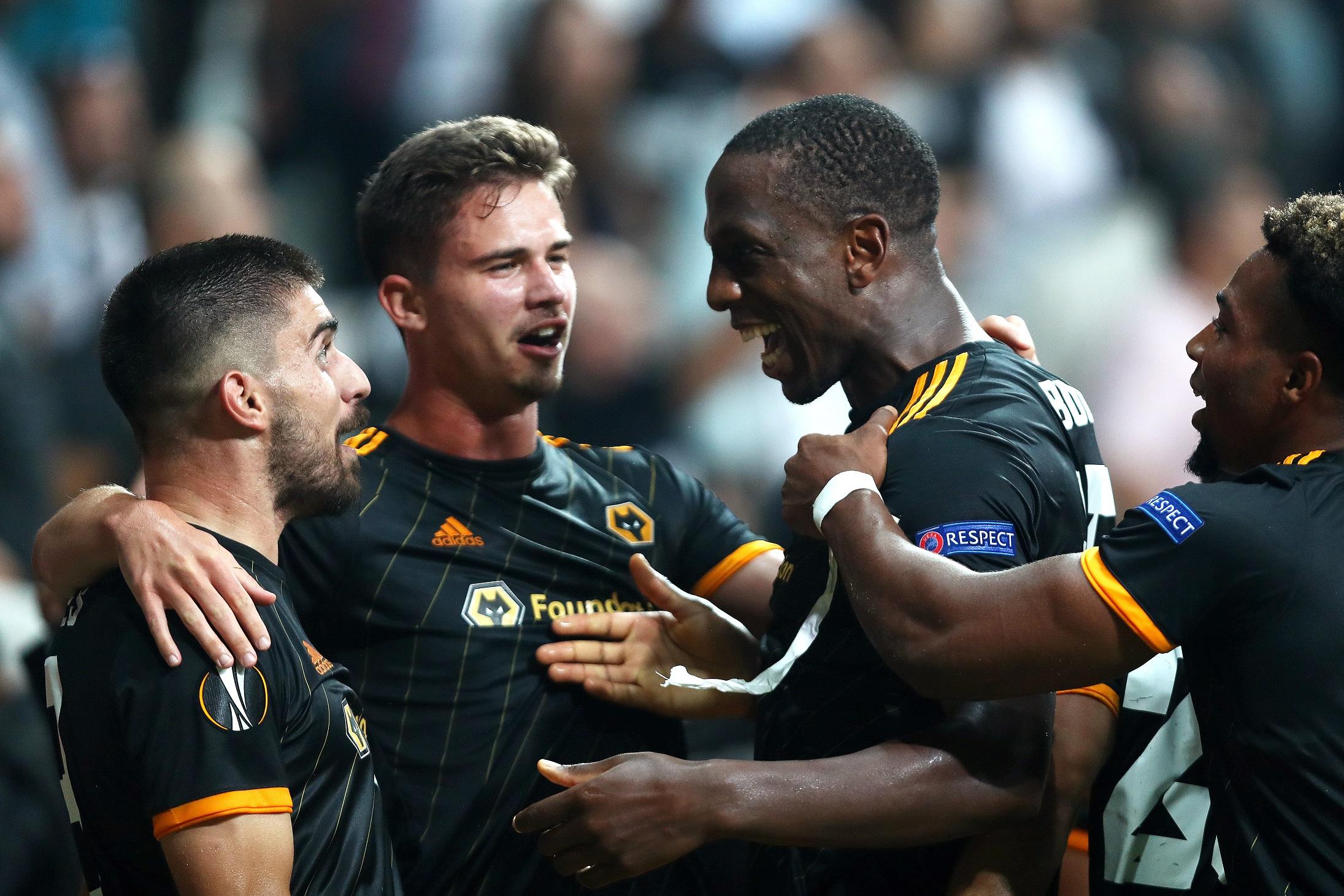 El Wolverhampton ganó en el infierno turco